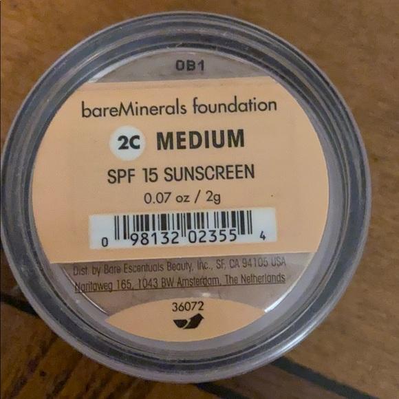 BareMinerals foundation 2c medium new in pkg
